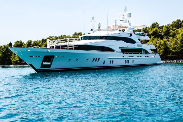 Luxury Yacht and Boat Rentals